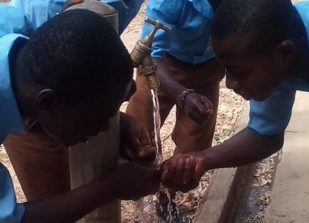 GvSS Comenius Wasser spendet Leben